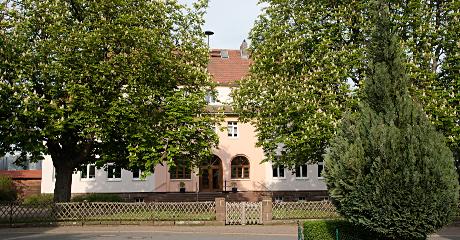 """Einrichtung Tagespflege """"Kastanienhof"""" der Werk-Hilfe in Calden"""