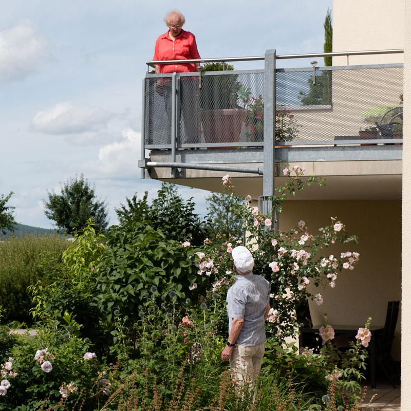 Balkon betreutes Pflegewohnen des Sozialen Zentrum Calden der Werk-Hilfe