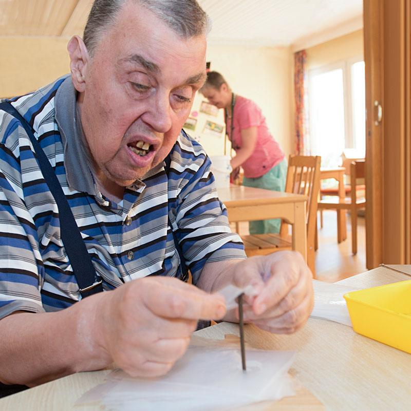 """Arbeitstherapie der Tagesförderstätte """"Birkenhof"""" in Calden"""